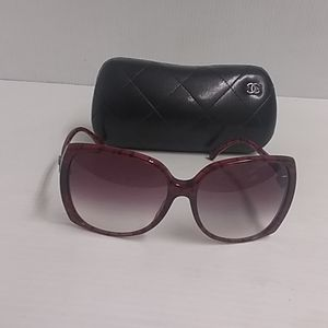 Chanel sunglasses 5216 c.1306/3P red burgundy